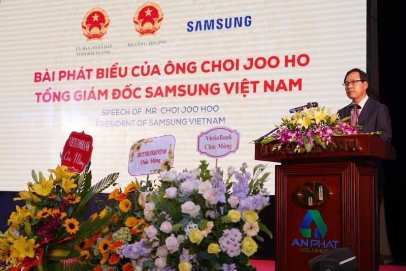 Ông Choi Joo Ho, TGĐ Samsung VN phát biểu tại sự kiện