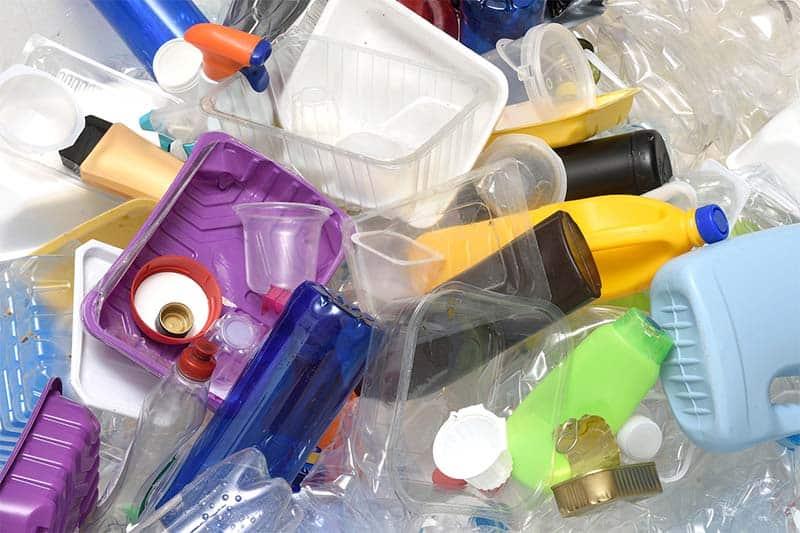 Một báo cáo tại Hội nghị Davos Thụy Sĩ cho biết, với tình trạng này thì đến năm 2050 lượng rác thải nhựa thải trên biển sẽ nhiều hơn cả lượng cá