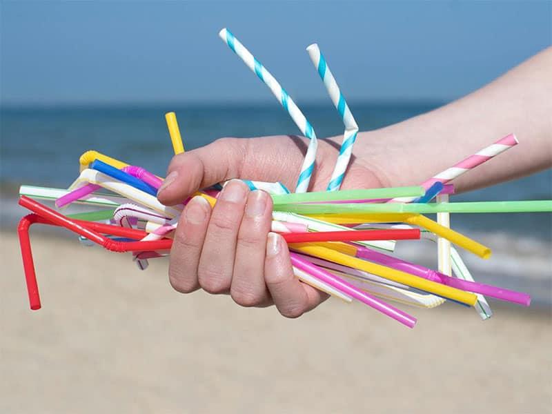 Ống hút nhựa đang chiếm tỉ trọng lớn nhất trong rác thải nhựa