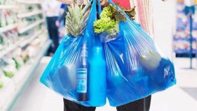 Ở hai thành phố lớn là Hà Nội và thành phố Hồ Chí Minh, mỗi ngày có 80 tấn nhựa và nilon bị thải ra môi trường. (Nguồn ảnh: amazonaws.com)