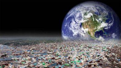 Rác thải nhựa làm ô nhiễm cả môi trường nước (Nguồn: hoangkhangorganic.com)