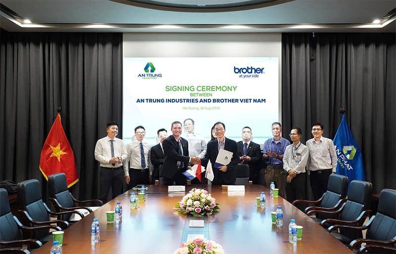 Lễ ký kết hợp đồng cung ứng giữa CTCP An Trung Industries với Brother Việt Nam