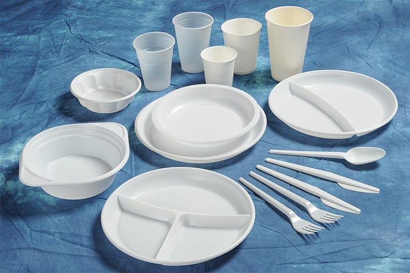 Hạn chế sử dụng đồ nhựa dùng một lần là việc làm cần thiết