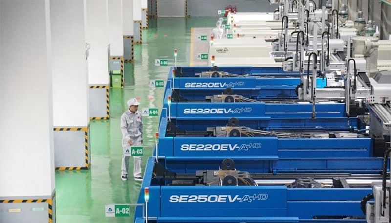Bên trong nhà máy sản xuất linh kiện nhựa điện tử của An Trung Industries