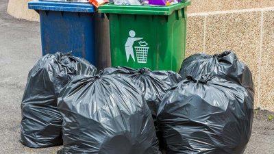 Hiện nay đa phần người dân đều để chung rác thải nhựa với rác thải sinh hoạt khác mà không phân loại