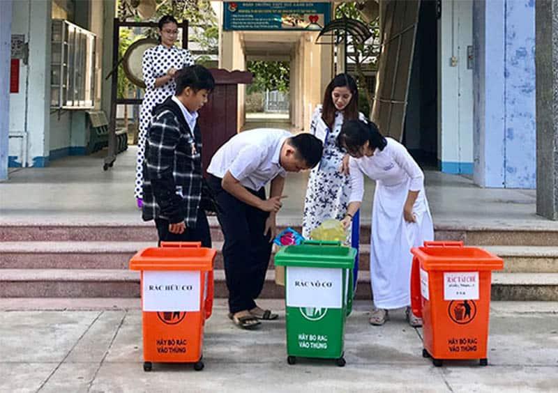 Áp dụng phân loại rác tại nguồn ở các trường học