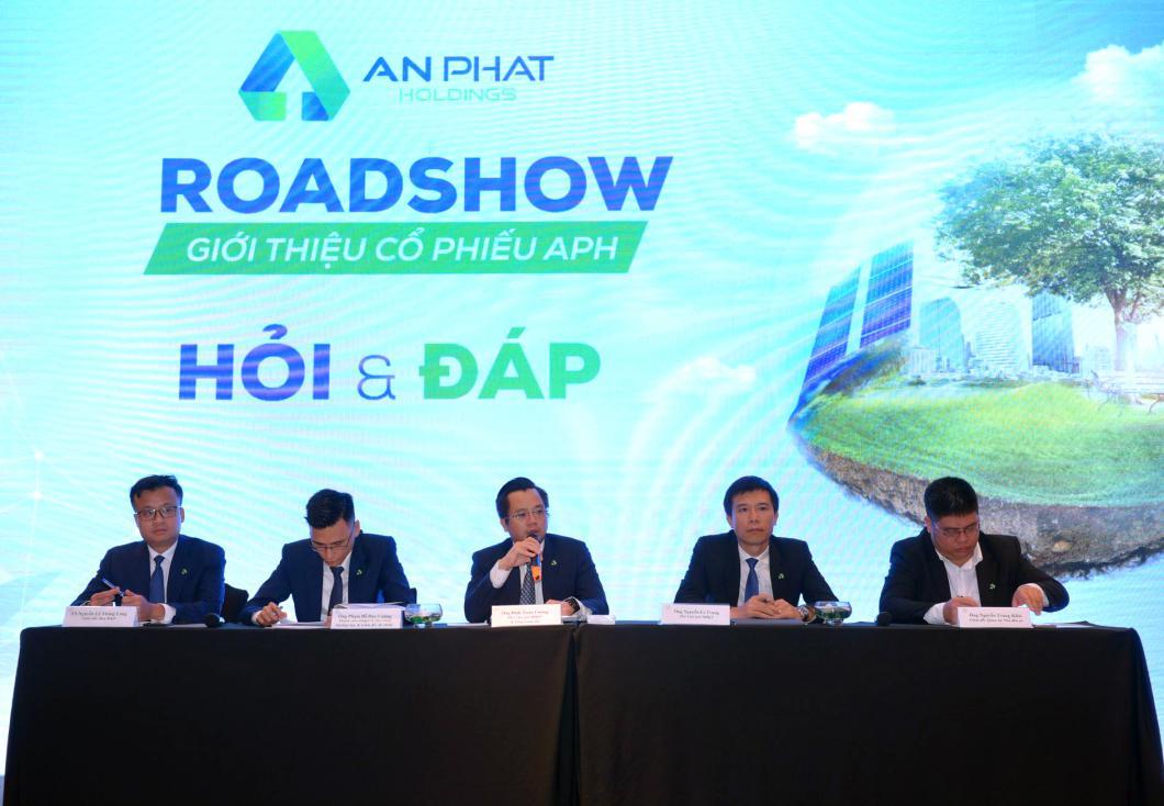 """An Phát Holdings tổ chức thành công hội thảo """"Giới thiệu cổ phiếu APH: Tập đoàn nhựa đầu ngành - Đón đầu xu hướng xanh"""""""