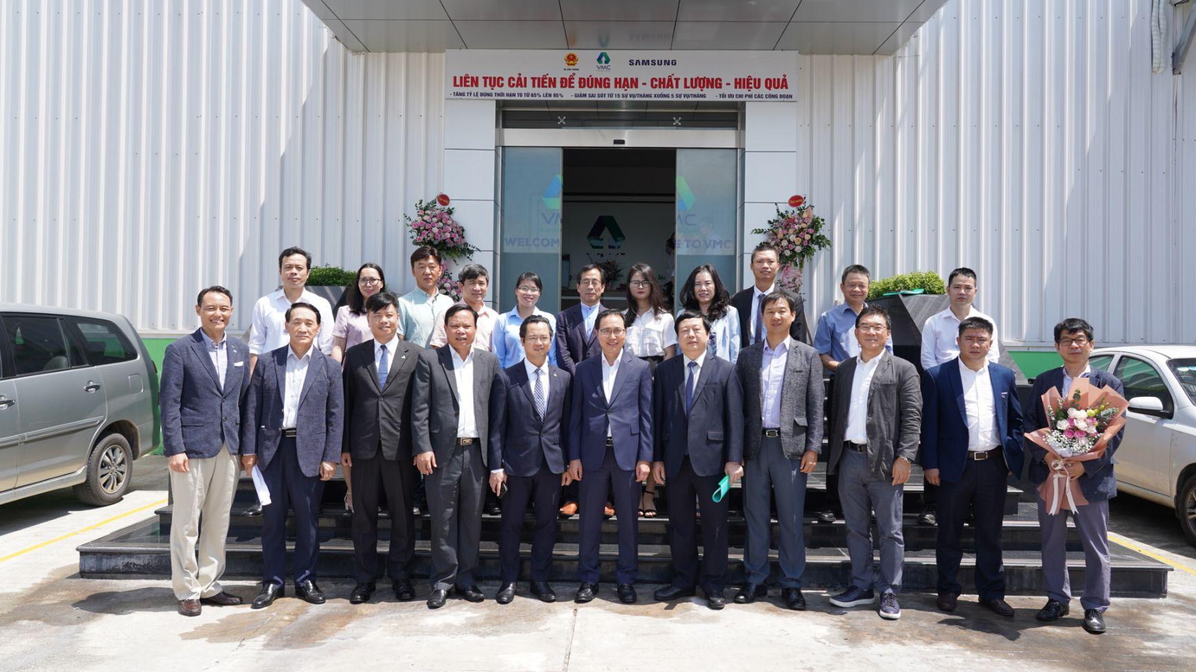 Lãnh đạo UBND tỉnh Hải Dương và Samsung Việt Nam thăm nhà máy VMC