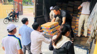 An Phát Holdings trao tặng 3 tấn hàng cho đồng bào lũ lụt Quảng Trị