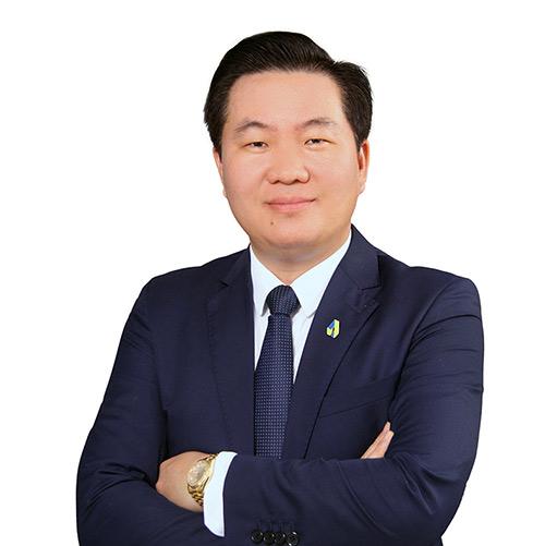 Ông Phạm Văn Tuấn nhận quyết định bổ nhiệm Quyền Phó Tổng Giám đốc